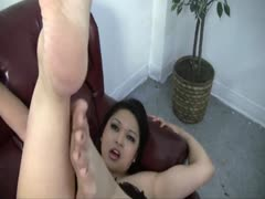 Seductive Sexy Bare Feet and Toes
