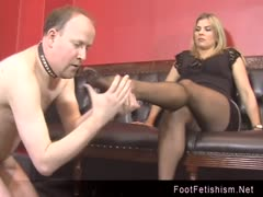 Elektra Skye foot worship humiliation to an old man