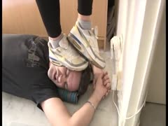 Brutal trampling to a worthless boyfrined in the kitchen