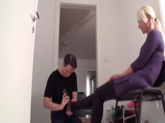 Blonde dominant wife wants her feet worshiped now