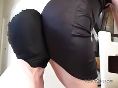 An afternoon of ass worshiping
