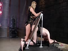 Bondage slave badly pegged by evil mistress