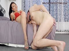 Mistress enjoys how slave eat her pussy