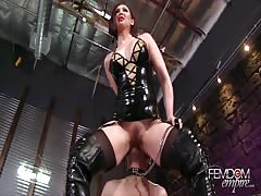 Cage slave out for smothering
